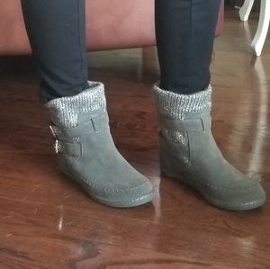 Suede booties,  fully lined,  sweater cuff